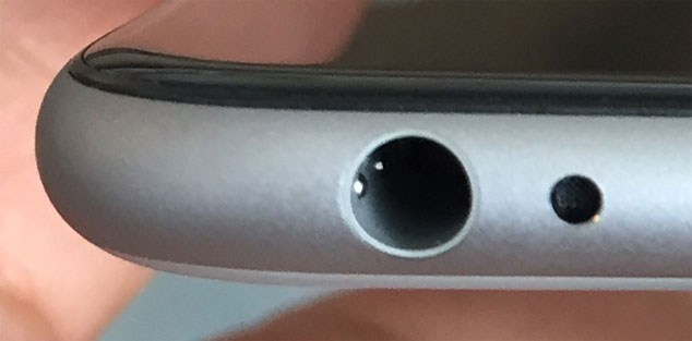 iPhone Display Reparatur - sauber abgerundete verbaute Displayeinheit